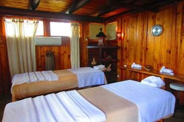 Le spa possède des pavillons de massage pour un soin duo