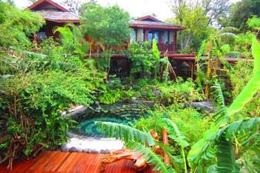Bienvenue au Lodge Roche Tamarin, situé à la Possession sur la côte nord-est de la Réunion