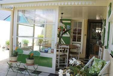 La Case Nyala possède un espace avec cuisine équipée