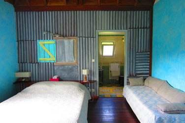 La chambre créole et son canapé-lit pouvant accueillir un enfant ou un adulte