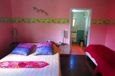 la chambre indienne à la décoration très colorée !