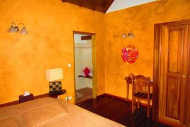 La chambre malgache et son petit coin bureau