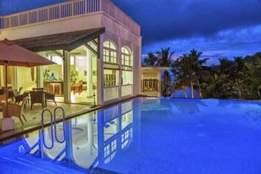 Le soir venu, l'hôtel se transforme en un lieu hautement romantique...