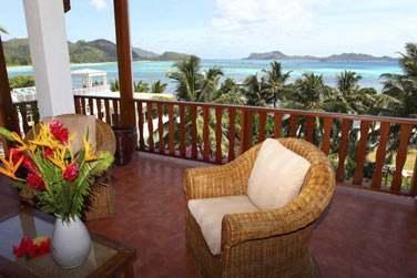 La terrasse de la Suite Famille surplomble la mer...
