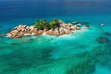 Voici une luxueuse escapade dans les 3 îles principales de l'archipel des Seychelles.