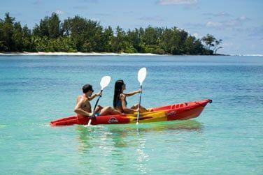 En kayak, vous pourrez profiter du lagon en toute sécurité