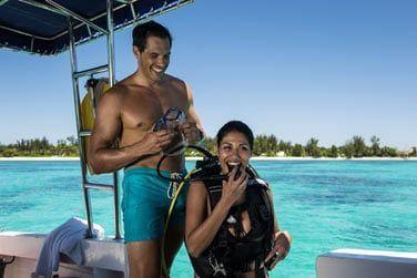 Venez découvrir le centre de plongée bouteilles PADI et partez nager parmi les poissons !