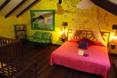 La chambre située sur la mezzanine