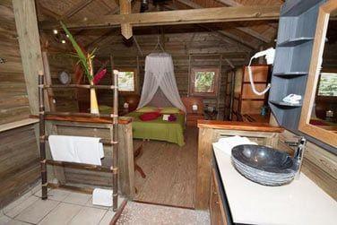La salle de bain privative de la chambre de la villa Ka'Mango