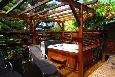Villa P'tite Anse : le bain à bulles sur la terrasse