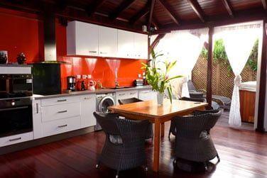 Villa Terdeho : la pièce à vivre, ouverte sur l'extérieur