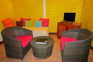 Villa P'tite Anse : petit coin salon intérieur