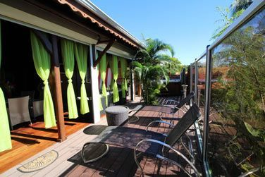 Villa Terdeba : de bons bains de soleil vous attendent sur cette grande terrasse