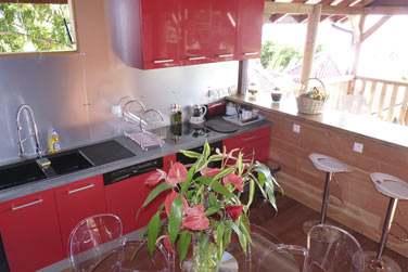 Villa Lagalante: Le superbe coin cuisine ouvert sur la terrasse