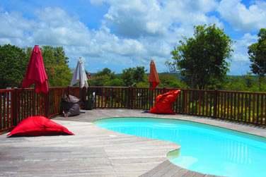 La piscine commune aux villas