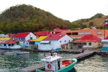 et son village typique aux toits rouges...
