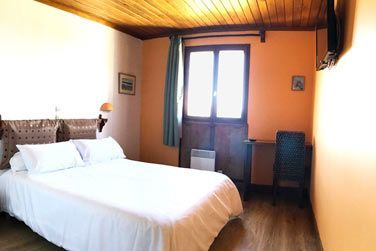 Les chambres standards, simples et confortables