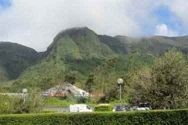 La Ferme du Pommeau est située dans les hautes plaines de la Réunion,