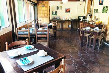 Vous pourrez y apprécier une cuisine traditionnelle réunionnaise et européenne