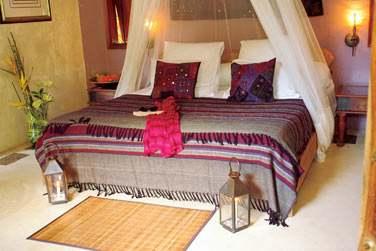 La chambre standard 'Lakaz Dibois' aux couleurs chatoyantes et à la décoration soignée