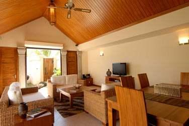 Ainsi qu'un salon / salle de séjour spacieux et lumineux ! (Villa 2 chambres)