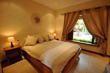 Les Chambres sont décorées avec goût dans des tons clairs (Villa 2 chambres)