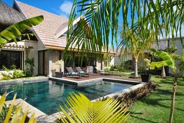 Toutes les villas possèdent une piscine et un jardin privés...