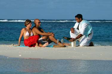 Les amoureux choisiront la croisière avec pique-nique au Champagne sur un banc de sable