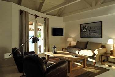 Les Suites Australes possèdent leur coin salon très bien aménagé