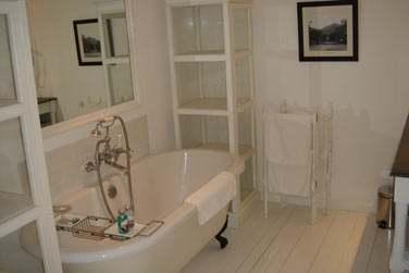 Baignoires sur pieds dans les salles de bain