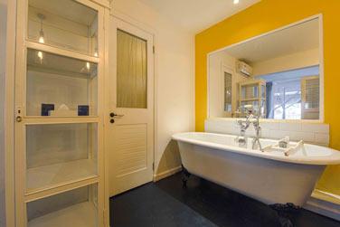 La salle de bain de la chambre Charme