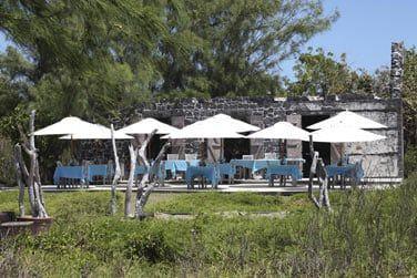 Le restaurant La Maison du Gouverneur sur l'île Plate