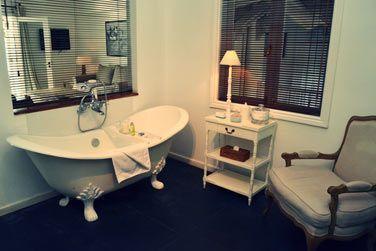 Les salles de bain des Suites Australes sont très joliment décorées...