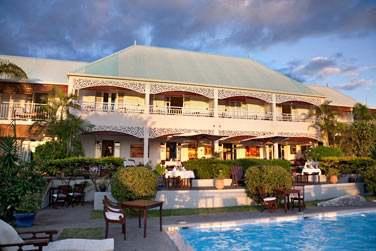 et découvrir Cet élégant petit hôtel de charme : le Blue Margouillat Seaview hotel