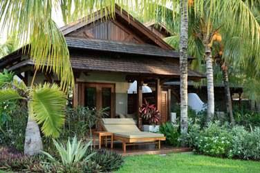 architecture en chalets et style colonial, se fondent harmonieusement dans la beauté de l'environnement naturel.