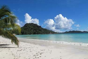 Situé à seulement 50 m de la célèbre plage de Côte d'Or sur l'île de Praslin
