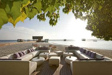 Le bar Manta offre un cadre exceptionnel pour prendre un verre tout en admirant le coucher du soleil