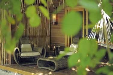 Les villas du Constance Moofushi Resort offrent un cadre idéal pour votre séjour