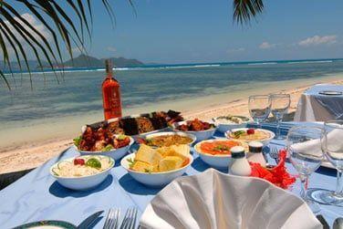 Laissez vous tenter par les produits locaux, fruits et poissons frais sont excellents