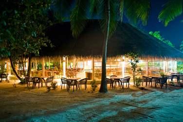 Rendez-vous au Noo Restaurant pour une cuisine savoureuse... Les pieds dans le sable
