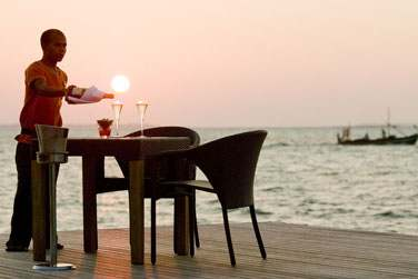 Pour un moment d'exception, laissez-vous tenter par un dîner en tête à tête au bord de l'eau