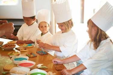 Vos enfants seront conquis au mini-club ! Cours de cuisine, chasse au trésor...