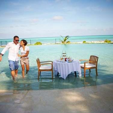 L'hôtel organise pour vous un déjeuner sur l'eau !