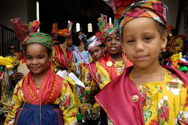 est située à Deshaies, au nord de Basse Terre en Guadeloupe...