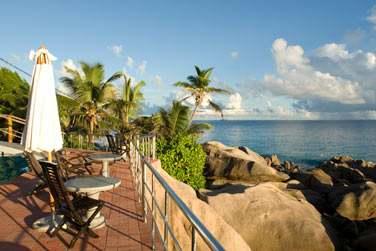 Les impressionnants rochers granitiques sont typiques des Seychelles