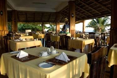 Vous goûterez aux spécialités locales seychelloises au restaurant avec vue mer