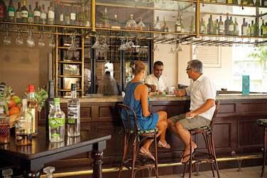 Le bar Mon Plaisir possède une très belle sélection de vieux rhums et de cigares de Havanes