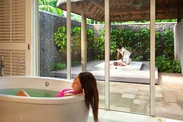 L'Aura Spa vous propose toute une gamme de soins et massages
