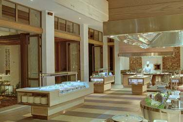 Le Marché est un restaurant qui ravira vos papilles... Place à la cuisine-théâtre avec un effet spectaculaire