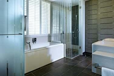 Salle de bain de la Chambre supérieure vue océan